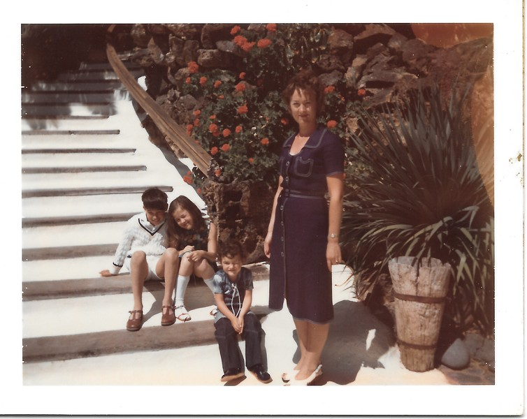 Caroline avec boyfriend, Adrian and Glamorous Mam