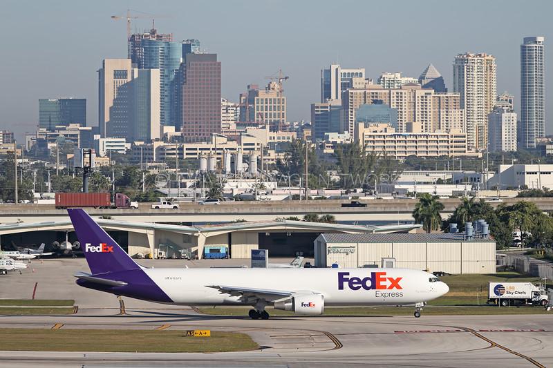N165FE   Boeing 767-3S2F/ER   FedEx Express