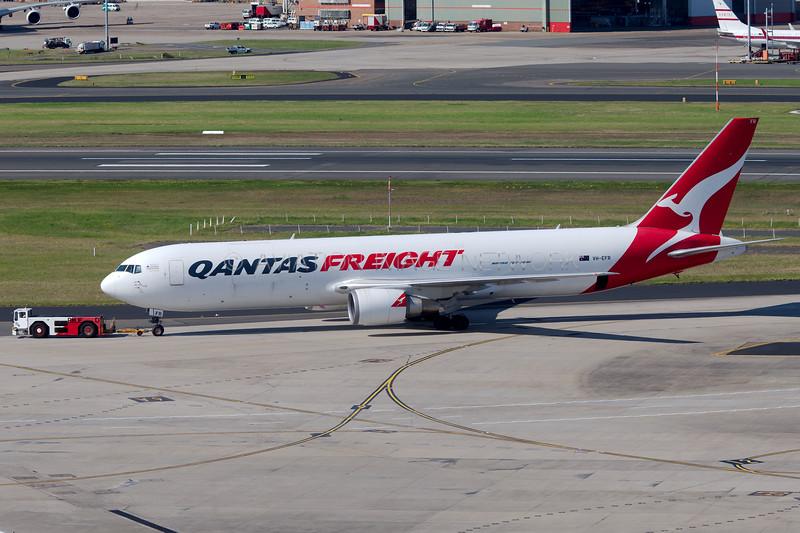 VH-EFR | Boeing 767-381F/ER | Qantas Freight