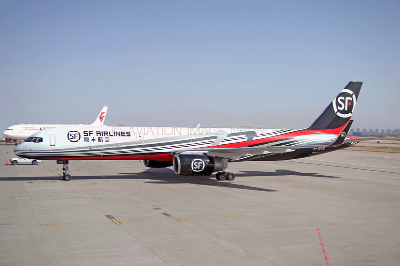 B-1252 | Boeing 757-223(PCF) | SF Airlines