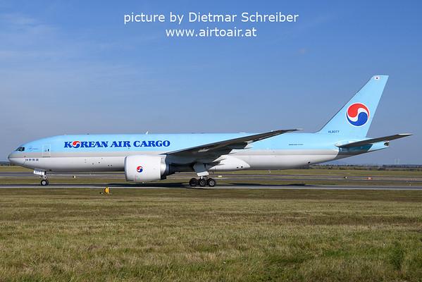 2021-10-17 HL8077 Boeing 777-200 Korean Air