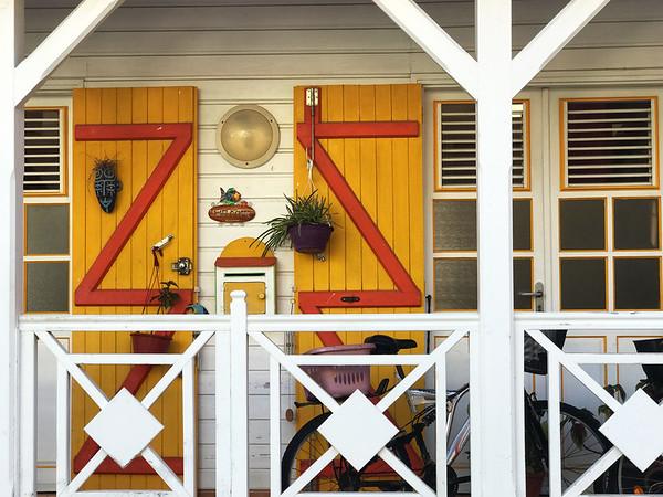 Porch front, Terre-de-Haut