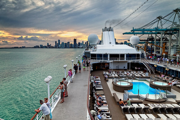 Azamara Quest leaves Miami