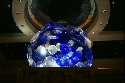 Dale Chihuly sclupture (moon)