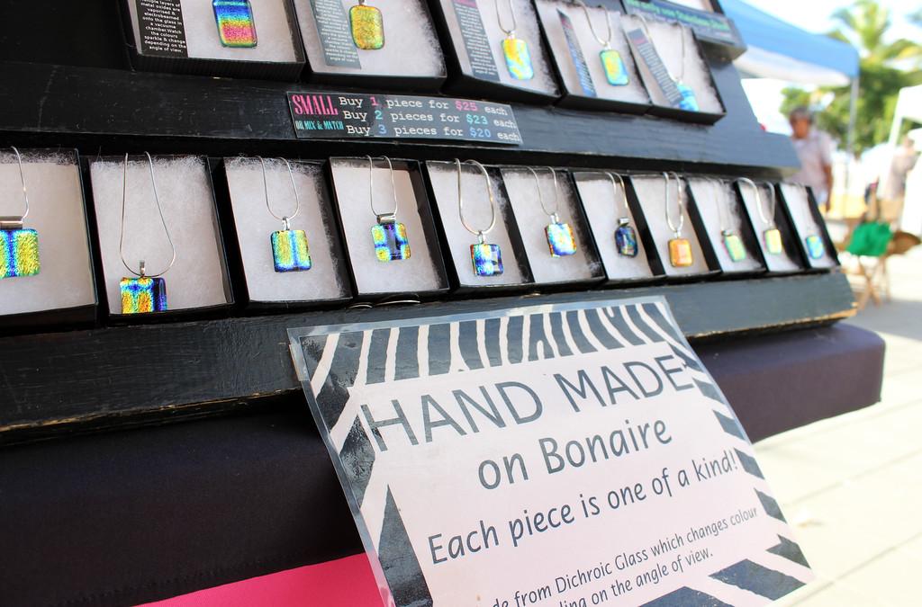 Bonaire art and craft market