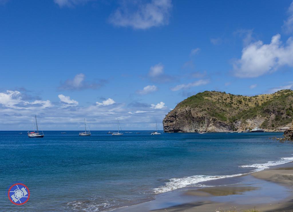 Little Bay Beach, Monserrat (©simon@myeclecticimages.com)