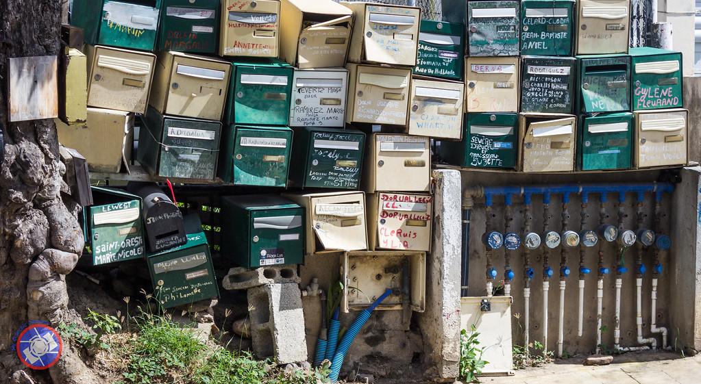Chaotic Utilities in Phillipsburg, Sint Maarten (©simon@myeclecticimages.com)