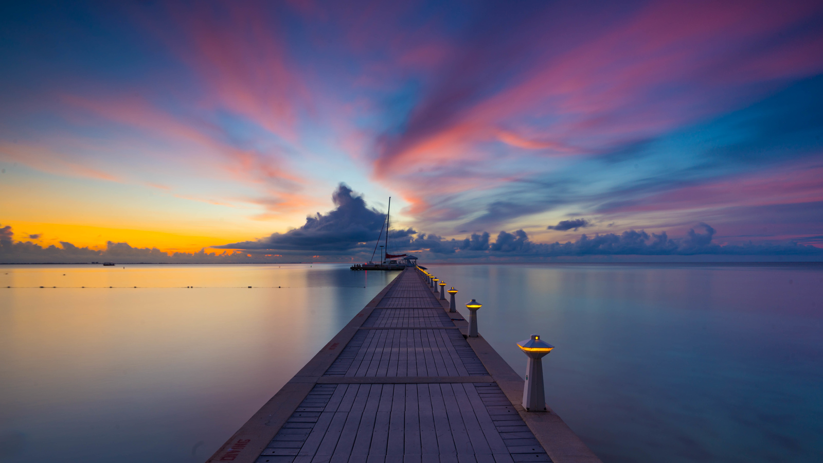 https://photos.smugmug.com/Caribbean/Cayman-Islands/i-HFCfvDL/0/X3/cayman-islands-6-X3.jpg