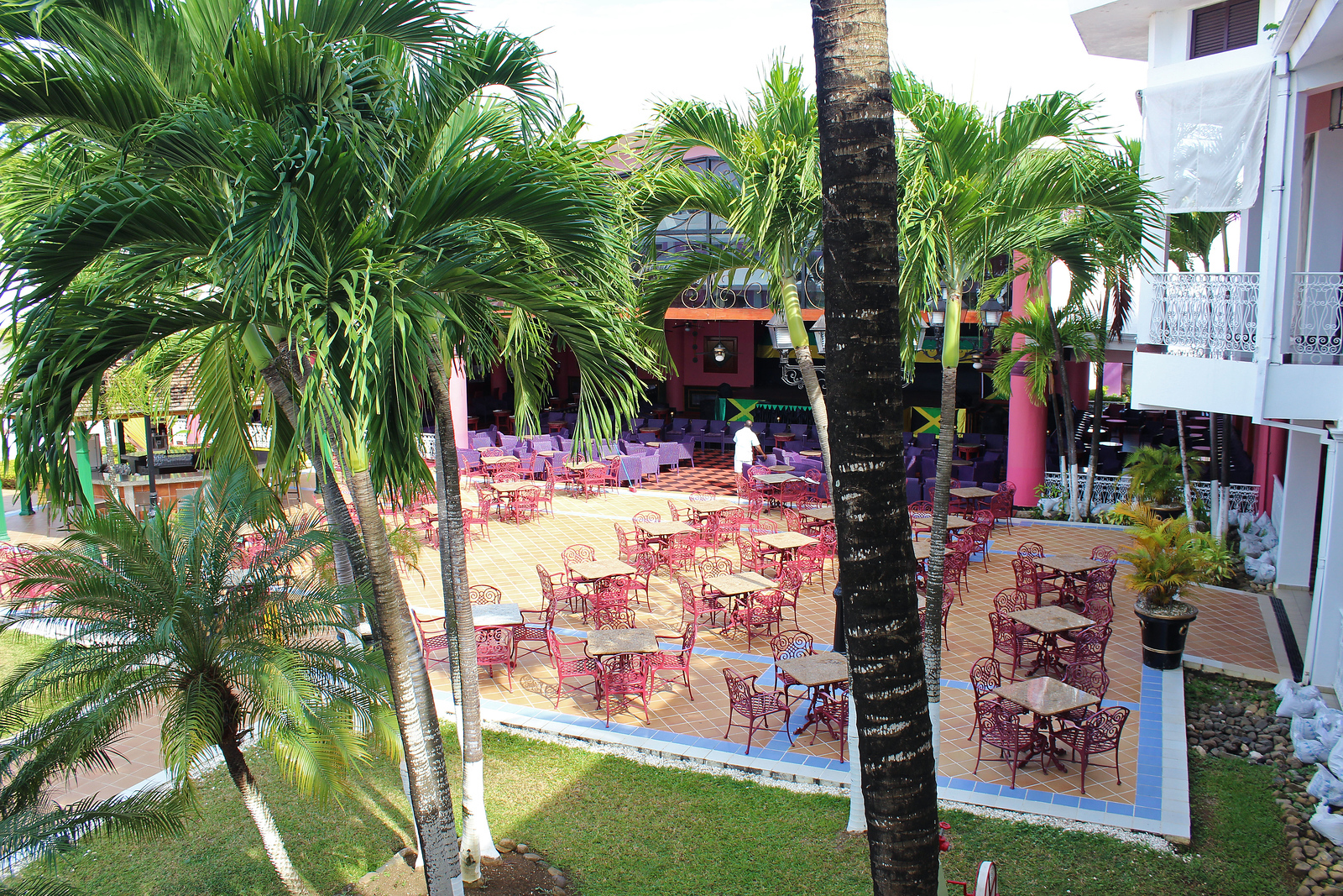 Riu Palace Negril - Outdoor seating area - Outdoor Patio