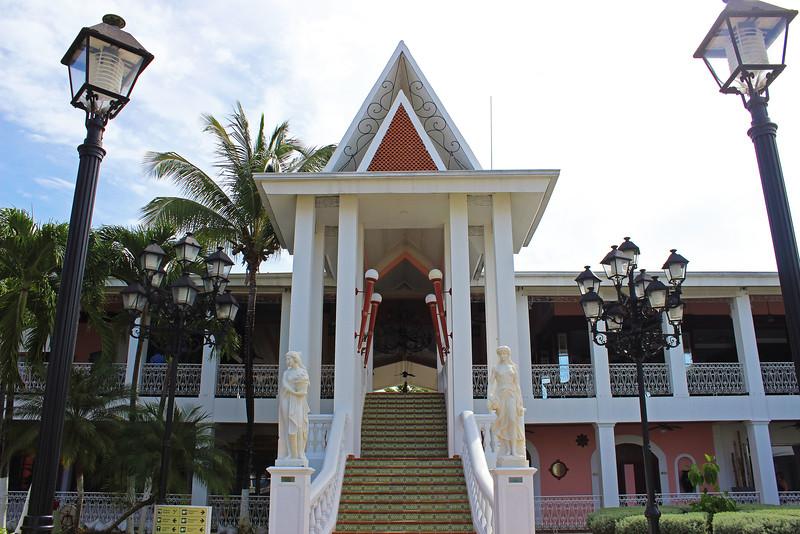Riu Palace Tropical Bay - Tour of the Resort