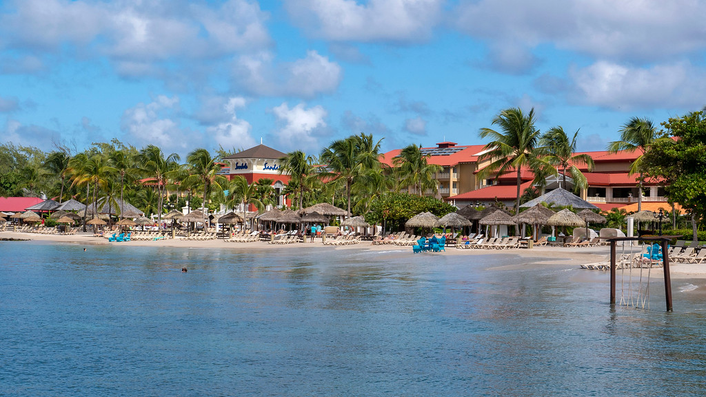 Sandals Grande St Lucian Review - Beach - Rodney Bay - Caribbean Sea - Saint Lucia