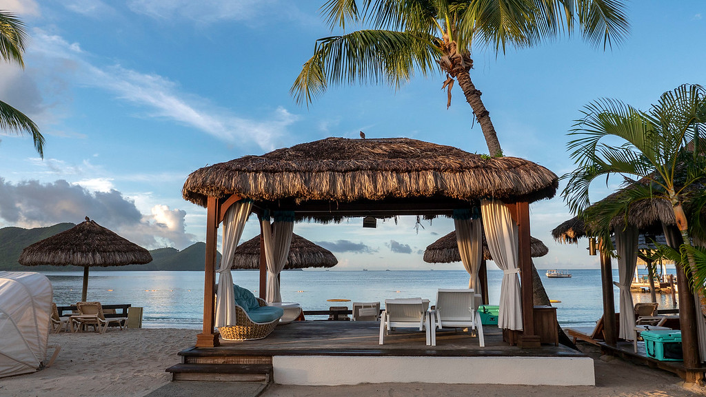Rodney Bay - Beach at Sandals Grande St Lucian in Saint Lucia - Private cabana