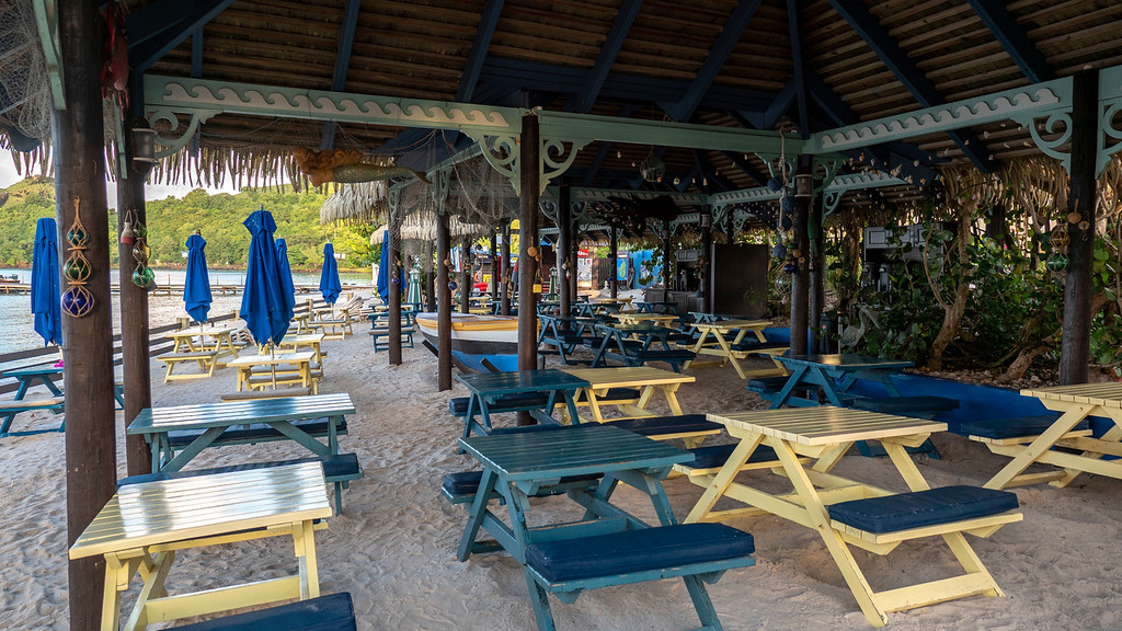 Sandals Grande St Lucian Review - Barefoot by the Sea restaurant