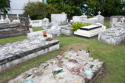 Grave site at the Ruins of De Graaff's estate 'Graavindal' on St. Eustatius