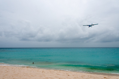 Airplane about to land in Princess Juliana International Airport