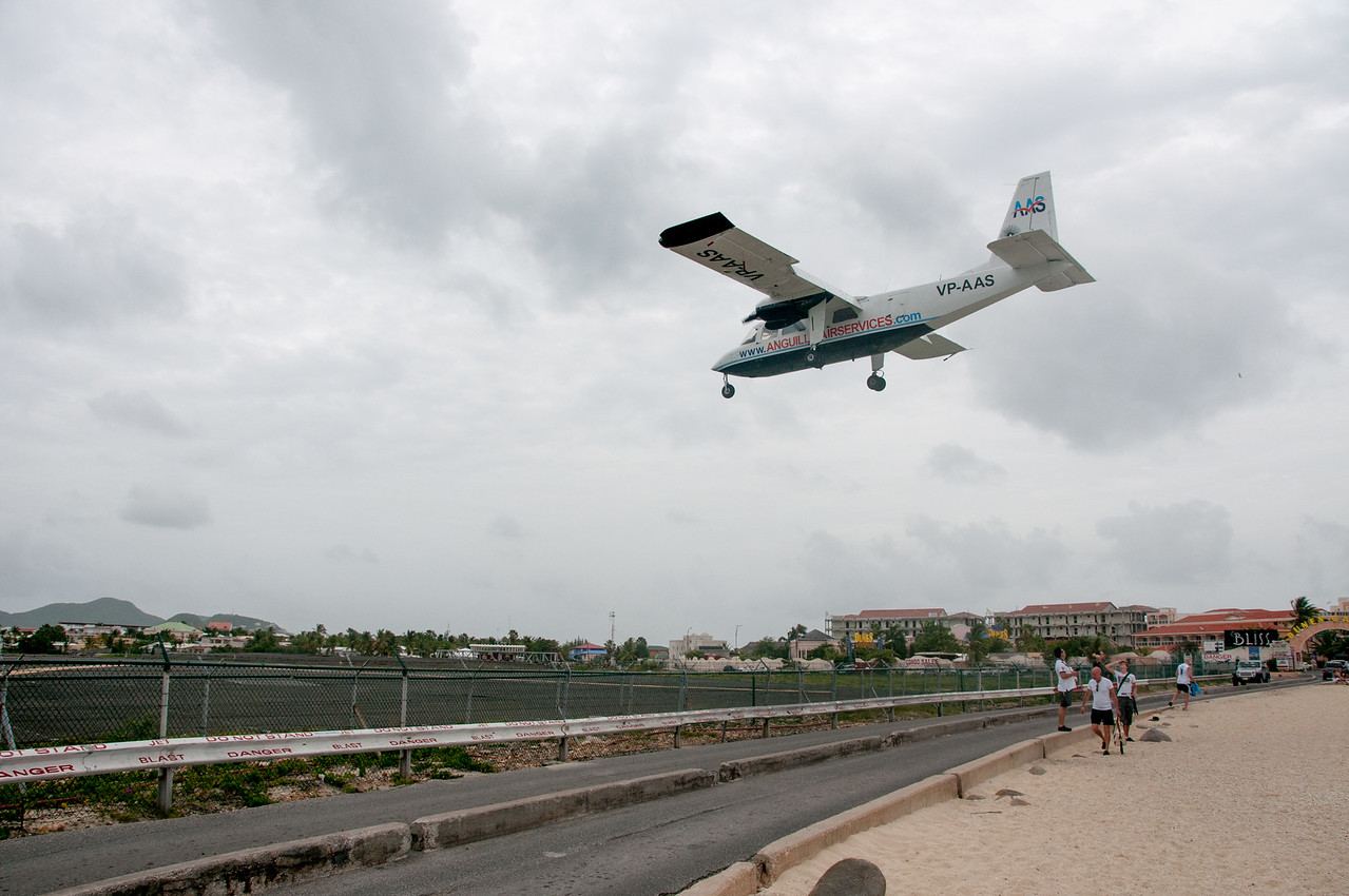Airplane about to land at Princess Juliana International Airport in St. Martin