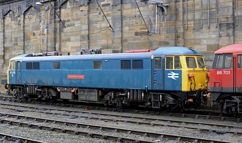 87002 Royal Sovereign & 86701 Orion, Carlisle, Thurs 13 Jan 2011 2