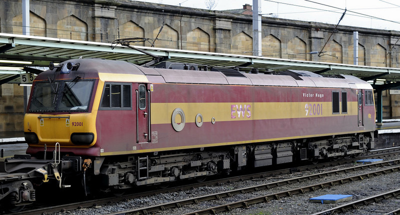 92001 Victor Hugo, 4M63, Carlisle, Thurs 13 January 2011 2 - 1217    The 92's paintwork is looking a little tired.