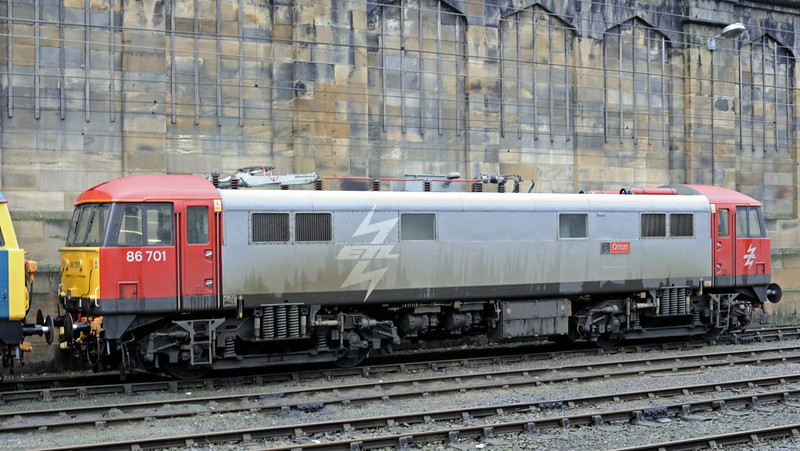 87002 Royal Sovereign & 86701 Orion, Carlisle, Thurs 13 Jan 2011 3
