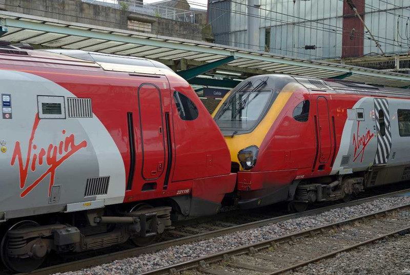 221142 Bombardier Voyager & 221116, 9M50, Carlisle Citadel, Wed 6 July 2016 - 0804.  Virgin's 0652 Edinburgh - Birmingham - Euston.