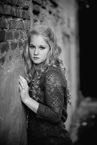 Carly-Senior13-BW
