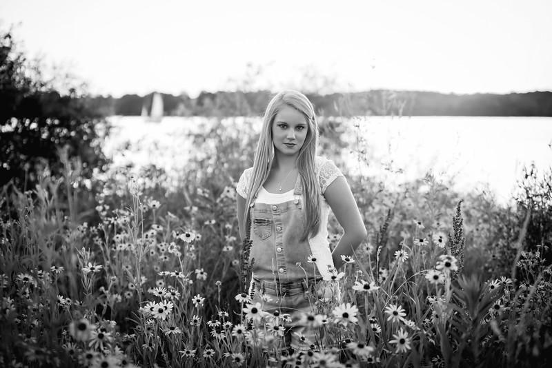 Carly-Senior09-BW