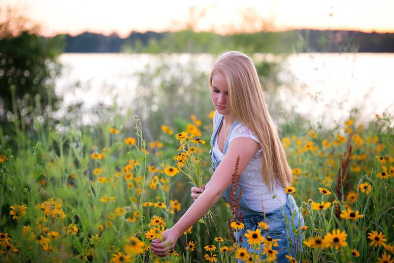 Carly-Senior11