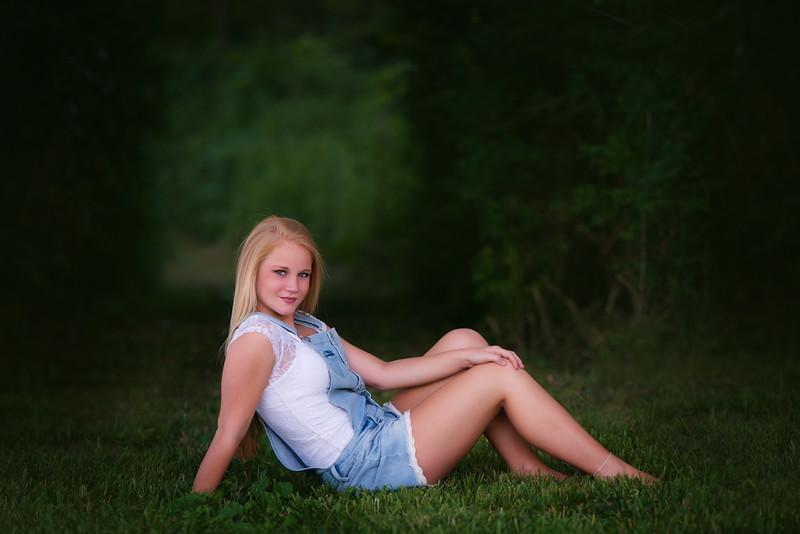 Carly-Senior03