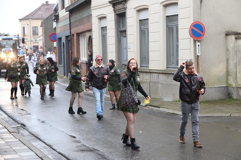 Carnavalstoet Steendorp - 'T MUT KEUNNE - WIJ VLIEGEN DOOR ALLES HEEN
