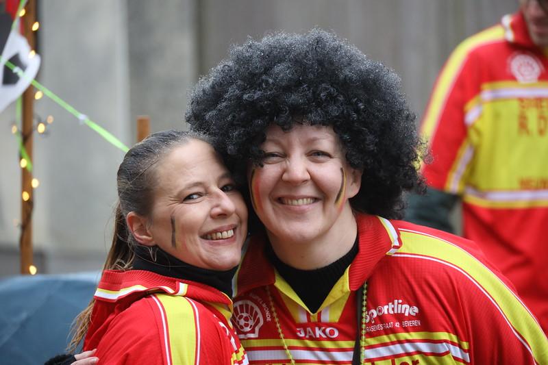 Carnavalstoet Steendorp - DEN OVERSCHOT - DEN BAL IS ONT ROLLEN