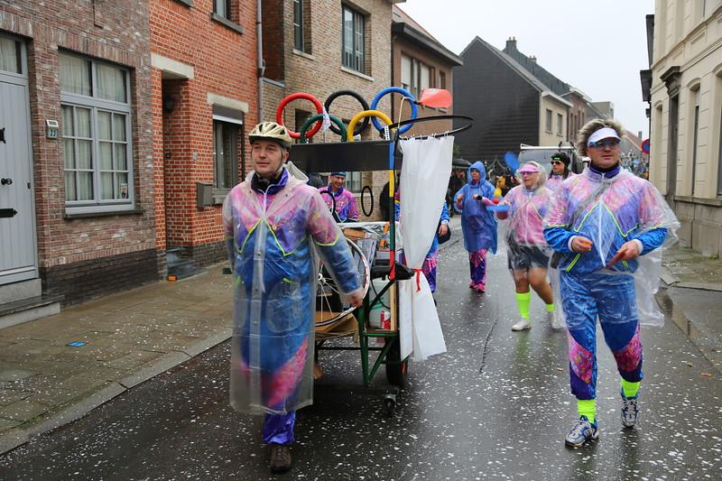Carnavalstoet Steendorp - DE GASCHREDERIKKEN AWA! - DE GASCHREDERIKKEN OP TRIJENINGSKAMP VEUR D'OLYMPISCHE SPELEN