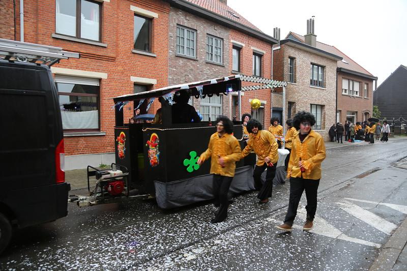 """Carnavalstoet Steendorp - SKV DE BRIQUEVILLENEIRS - IN MEMORIAM """"DE KLEIPUT & DEN BLOCK"""" DISCO"""