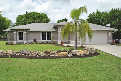 1707 SE Van Loon Ter, Cape Coral, FL