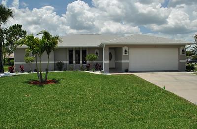 618 SE 11th Pl, Cape Coral, FL