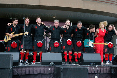 Members of the Red Hot Chilli Pipers travelled from Scotland to closeout the Herndon Festival.