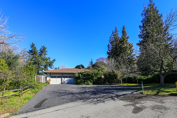 26233 Dori Lane, Los Altos Hills