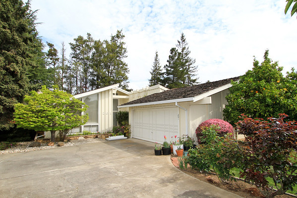 201 Valley St, Los Altos