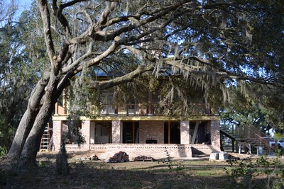 Rutherford's Roost on Brays Island in South Carolina. This plan is 1420 Heated Square Feet, 2 Bedrooms & 2 Bathrooms. Carolina Inspirations Book I, Page 67, C0059.