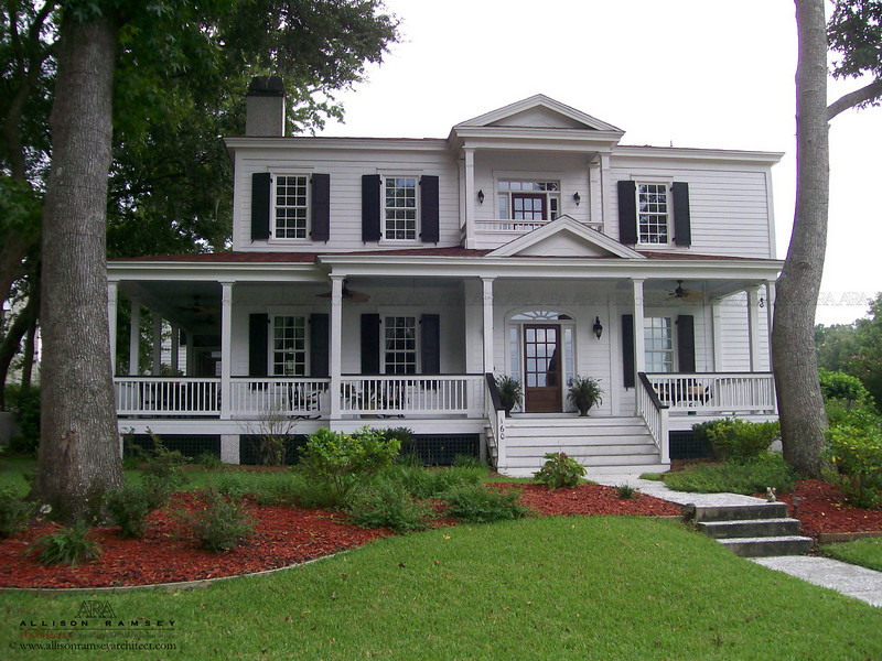 The Madison Plan by Allison Ramsey Architects built at Coosaw Point in Beaufort, South Carolina. This plan is 3079 Heated Square Feet, 4 Bedrooms and 3 1/2 Bathrooms. Carolina Inspirations Book I, Page 64, C0015.