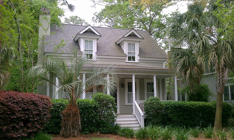 The Southside Cottage built by Allison Ramsey Architects at Newpoint in Beaufort, South Carolina. This plan is 1641 Heated Square Feet, 3 Bedrooms and 2 Bathrooms. Carolina Inspirations I, Page 3, C0003.