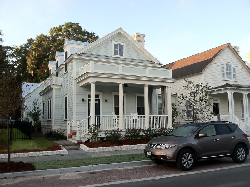 The Verdier Plan by Allison Ramsey Architects at Midtown Square in Beaufort, South Carolina. This variation is 1784 Heated Square Feet, 3 Bedrooms and 2 1/2 Bathrooms. Carolina Inspirations Book I, Page 7, C0012.