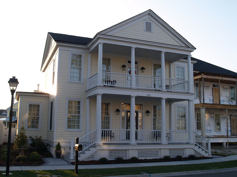The Mars Hill Plan built at East Beach in Norfolk, Virginia. This plan is 2727 Heated Square Feet, 5 Bedrooms and 3.5 Bathrooms. Carolina Inspirations, Book II, Page 1, C0355.