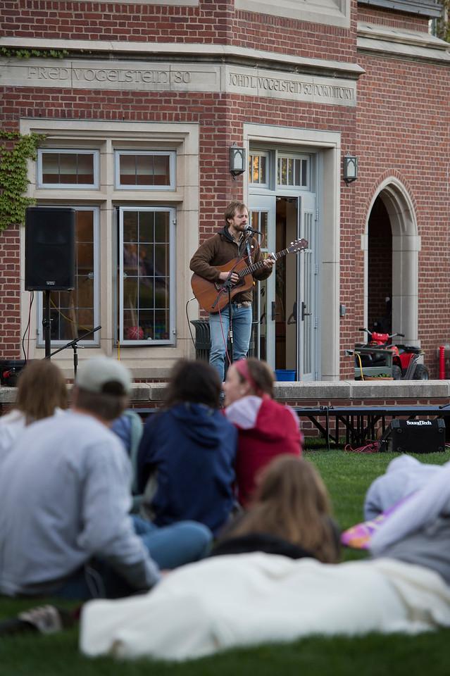 Folk Concert in Vogelstein Courtyard