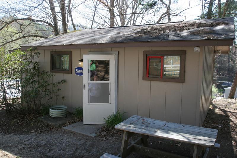 Kitchen staff cabin