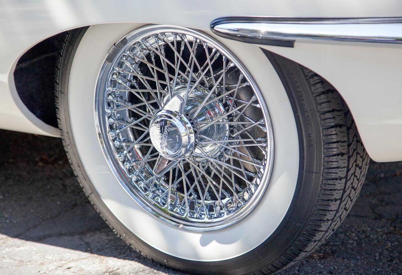 Jaguar XKE WIre Wheel