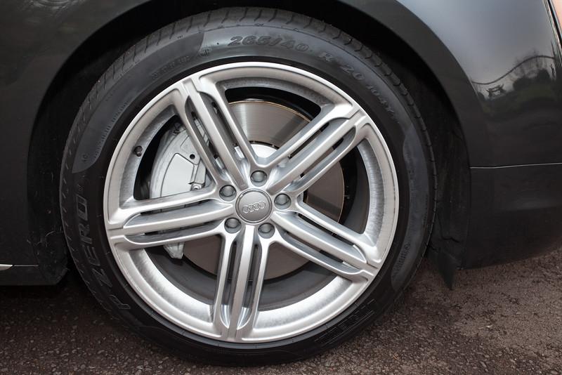 Audi wheel A8