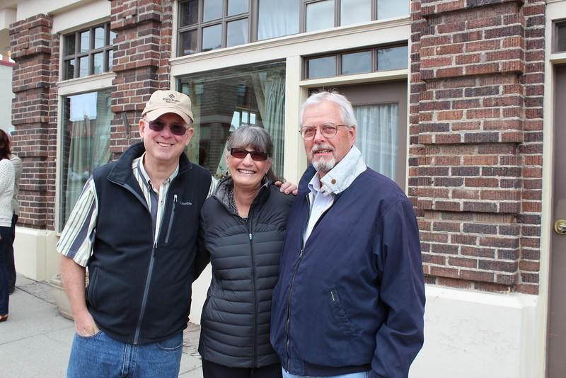 Bill & Barb meet with famous newspaper editor Mac