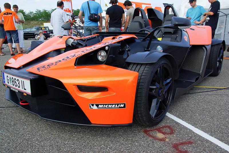 KTM X-Bow, 240 ch pour 700 kg. 0 a 100 km/h 3,9 s.