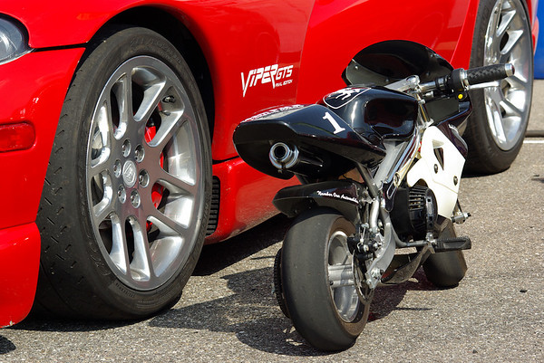 Dodge Viper vs Pocket Bike