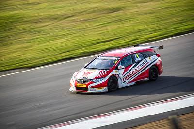 Matt Neal - Yuasa Racing Honda Civic Tourer